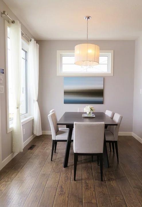 az ideális méretek egy téglalap alakú asztal esetében az étkező személyek számához viszonyítva