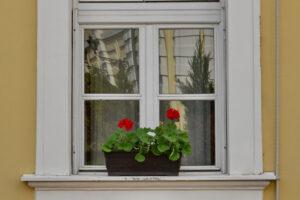 A külső ablakpárkánynak ellenállónak kell lennie az időjárás viszontagságaival szemben.