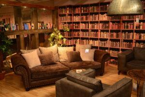 Könyvtárszoba.