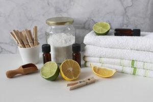 Takarítás: a tisztítószerek közül sem kell feltétlenül a multi cégek drága termékeit megvennünk.