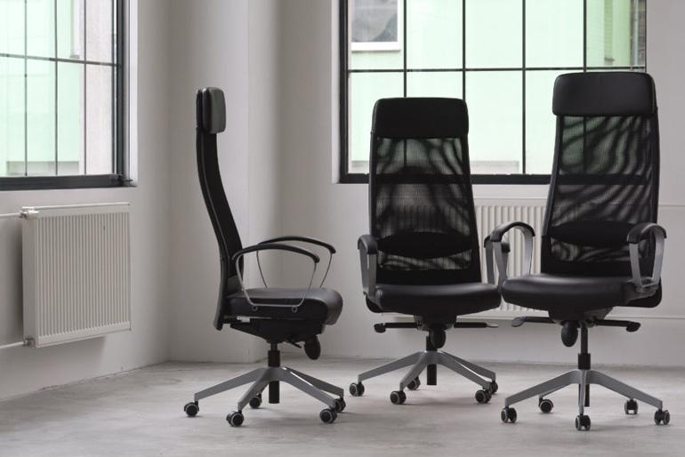 Az egyes bútorok közül talán a munkaszék kiválasztása a legfontosabb.