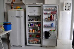 A hűtőszekrény rendszerint a legnagyobb méretű konyhagép, ami a konyhába kerülhet.