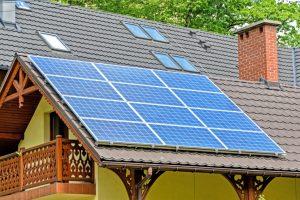 A napelemes házak lakói elfelejthetik a villanyszámlát.