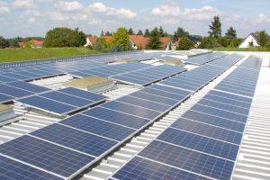 Napelem - az emberiségnek a tiszta, korlátlanul rendelkezésre álló és megújuló források felé kell haladnia.