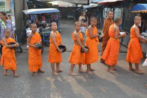 A narancsszínnek – csakúgy, mint a többi társának - kultúránként eltérő jelentése van.