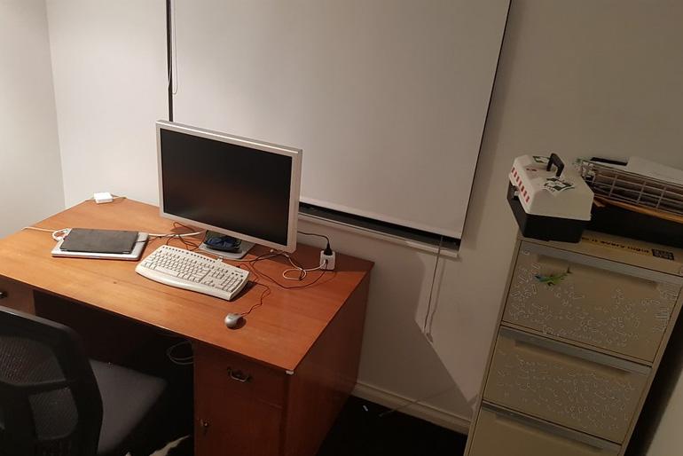 A tárolást sokféleképpen és ötletesen oldhatjuk meg a dolgozószobában.