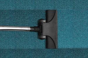 A szőnyeg vagy a szőnyegpadló takarításához nélkülözhetetlen a porszívó.