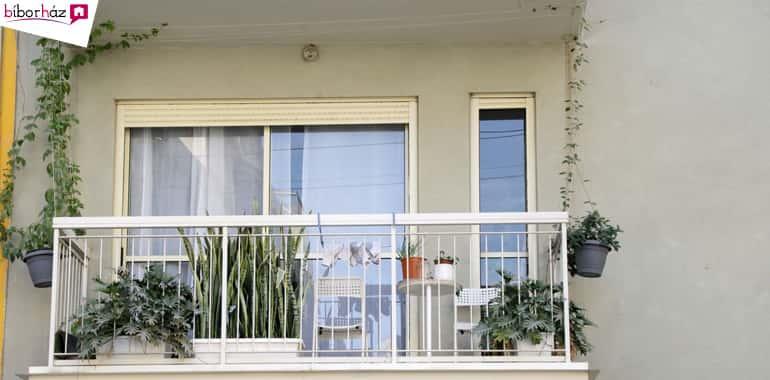 Speciális terek a lakótér és a környezet kapcsolatáért, terasz, erkély, loggia, tornác…