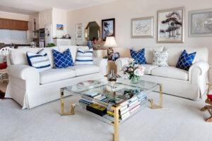 Érdemes a lakást takarítás szempontjából zónákra osztani. Kanapé.
