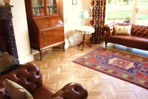A bútorok világa tulajdonképpen a természetes anyagok felértékelődésének trendjét követi.