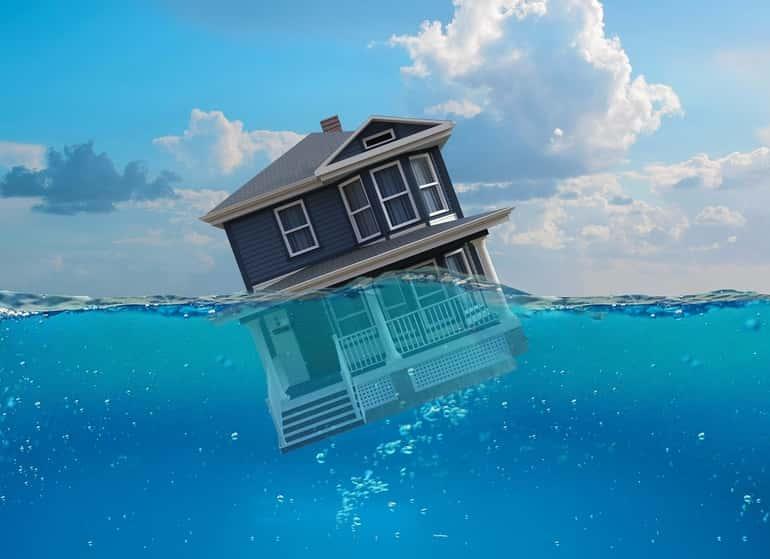 """""""úszó"""" ház"""