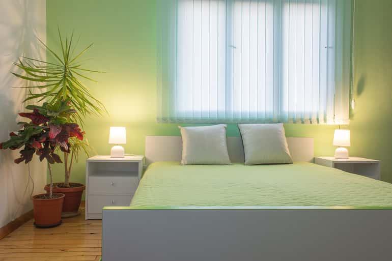 Ezért lehet ideális választás a zölda fürdőben és hálószobában.