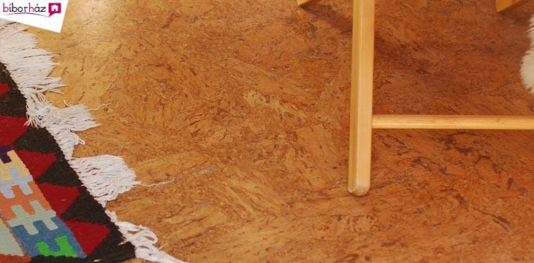 Melegburkolatok: a parafa – ahogy neve is mutatja – valóban fából, egész pontosan a parafatölgy kérgéből készül.