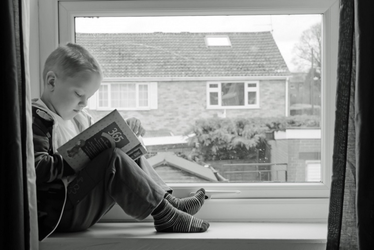 Béke és biztonság – ideális ablak a gyerekszobába